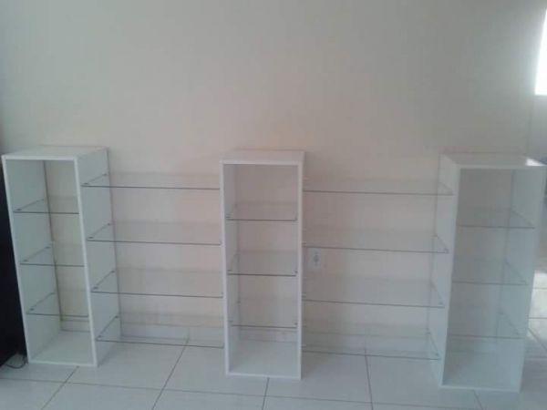 Estante De Vidro Temperado : Estante para produtos em mdf e vidro temperado móveis para seu